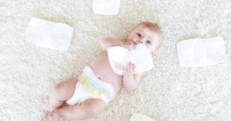 couche pour bébé à la naissance